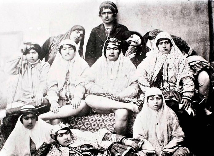 How many Turkish Sultan paid to their wives