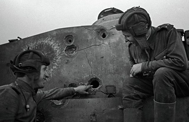 How must the crew of the downed in the battle tank