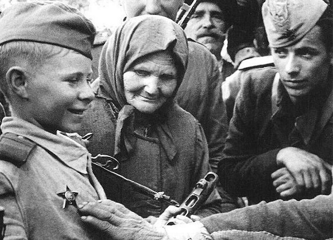 Vasya Kurka: as a 16-year-old sniper killed 179 of the Germans