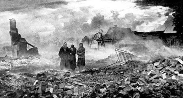 What population centers of the Soviet Union completely destroyed the Nazi executioners