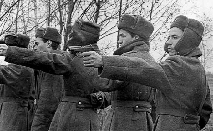 Why did the Soviet special forces didn't like the Makarov pistol