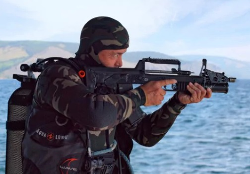 ADS: how to shoot under water machine Russian combat divers