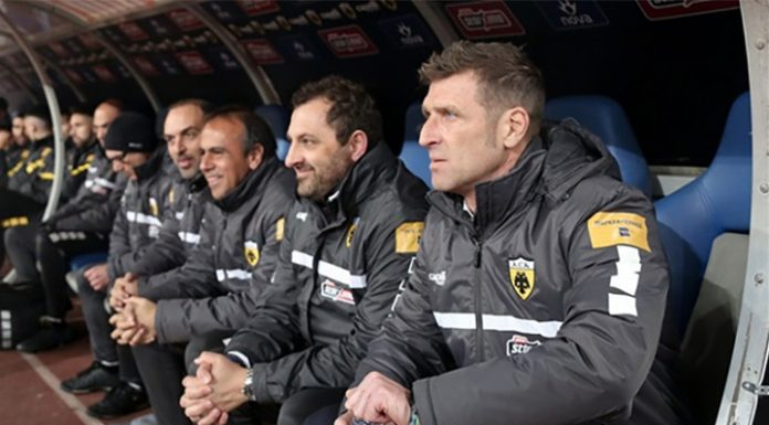 AEK Massimo Carrera won in the Athens Derby