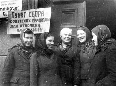 How many Soviet citizens refused to return to the USSR after the Second world