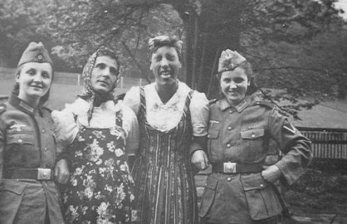 In some cases Wehrmacht soldiers wore women's clothes