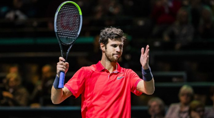 Khachanov sheathed racket in the first round of the tournament in Marseille