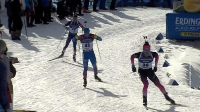 Nordic biathlon grit his teeth from the victory Loginova