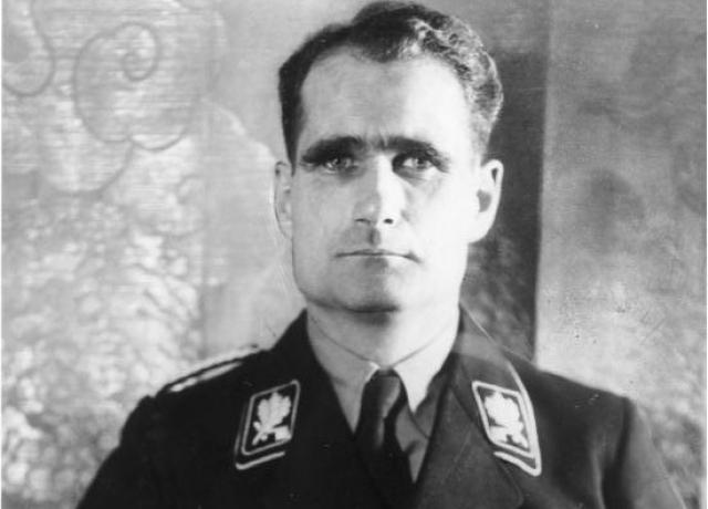 Rudolf Hess: the fate of the Nazi leader escaped to England
