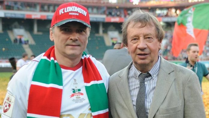 Semin is not threatened to resign. Football