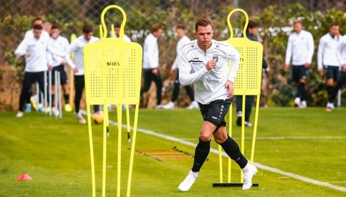 Tarasov footballer signed a contract with