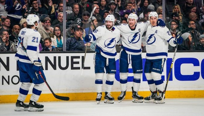 The Tampa beat the Flyers have 2 points Kucherov, Vasilevskiy was the first star of the match