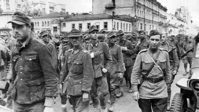 What Russian song red army soldiers were forced to sing German prisoners
