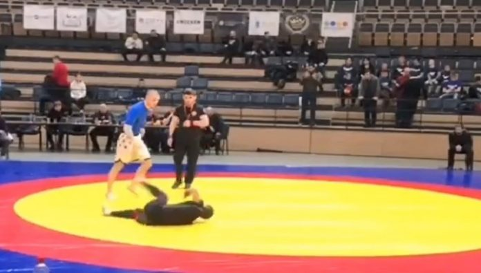 Wrestler paralyzed after breaking his neck at the competition in St. Petersburg. Video