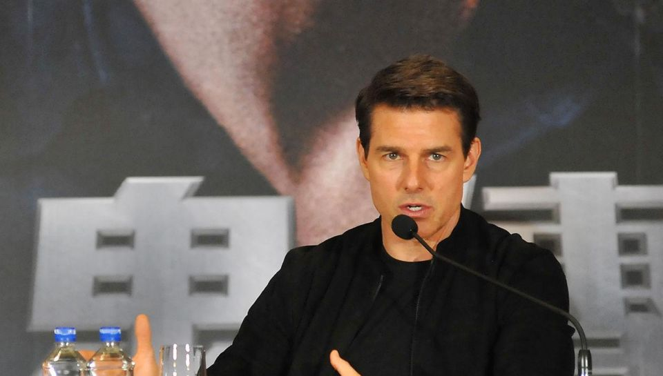 Tom Cruise went ballistic over room share with Rob Lowe