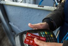 """""""He said that due to quarantine the terminal does not work"""": in Novosibirsk the bus refused to accept the card"""
