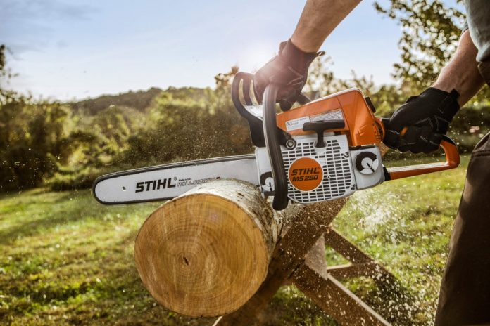 Chainsaws, trimmers, car wash and outdoor cleaner: tell where to buy reliable equipment for the garden