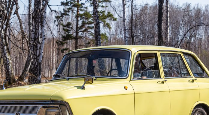 """""""Muscovite"""" not afraid of dirt: novosibirets for crazy money remade 40-year-old IZH """"Kombi"""" off-road"""