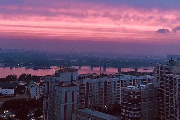 Once in a blue moon Thursdays: 7 incredible photos of the sunset over Novosibirsk