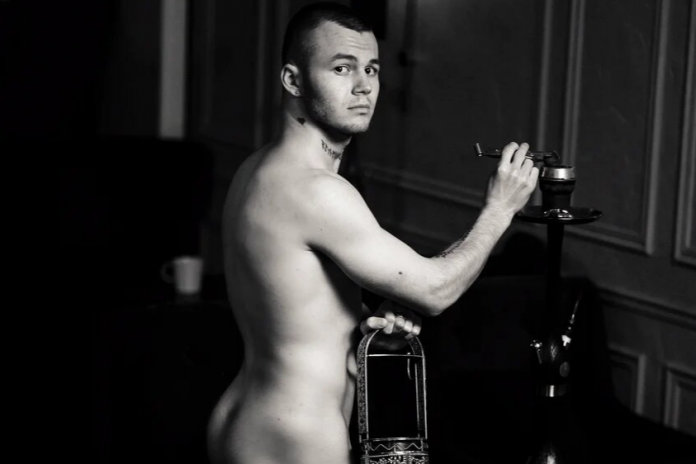 Staff bar were stripped naked to go to work. 10 very hot pictures from Novosibirsk
