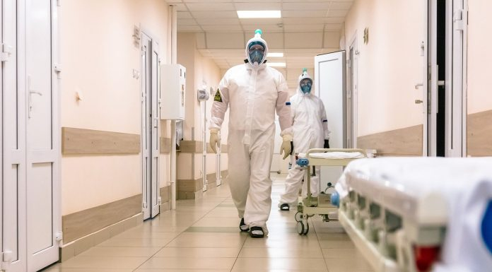 The money for the coronavirus got almost a thousand Novosibirsk physicians. And now — attention: poll