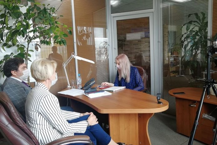 Why overcrowded hospitals and can you get in the hospital: 20 questions to the Minister about the situation in Novosibirsk