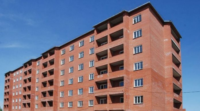 17 Novosibirsk are unable to paid for the apartment 10 years. Where did their millions