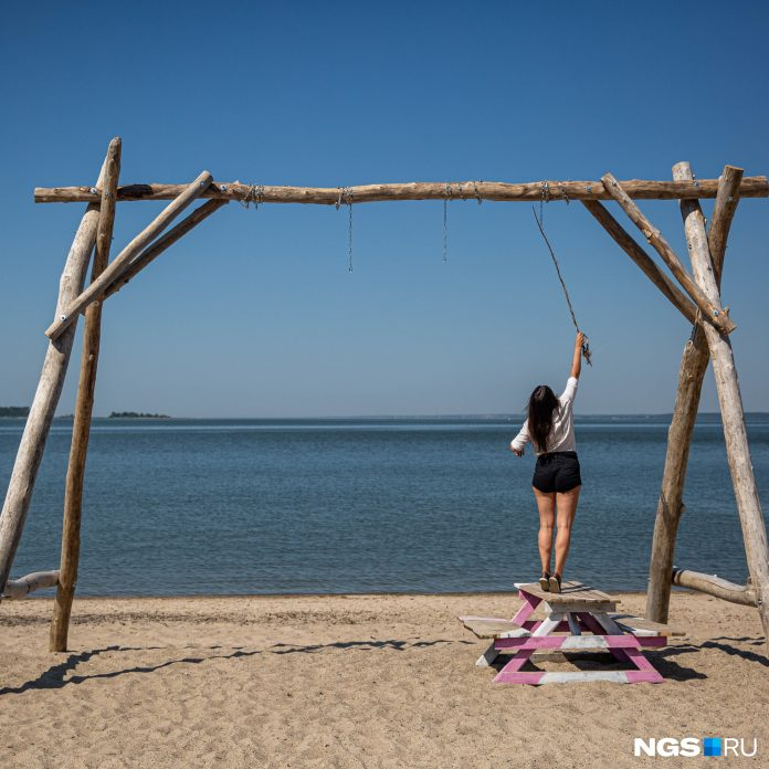 As few people create in Akademgorodok perfect beach (they have collected on 500 thousand rubles). Report