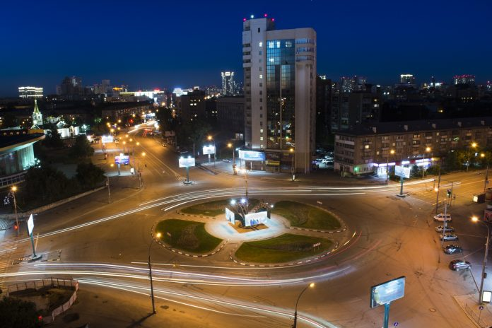 Aspiring photographers have released a video about a night in Novosibirsk, created from tens of thousands of images
