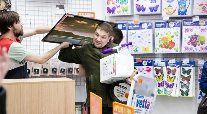 """Colorful summer in high definition: a """"Gallarta"""" found the best price for LCD TVs"""