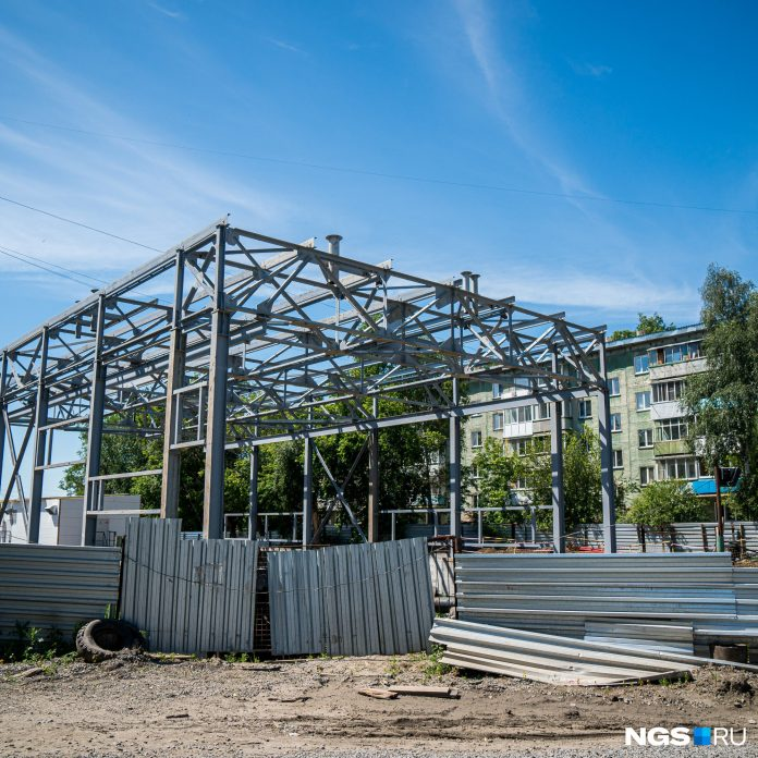 In Novosibirsk have started to build a new building for the pumping station, which collapsed last year