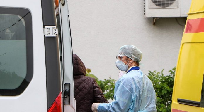 In the hospitals of Novosibirsk flash of coronavirus among doctors. As they spent millions on their defense