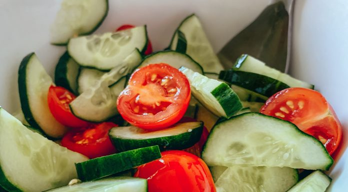 Nutritionists explained why you don't need to eat a salad of cucumbers and tomatoes this summer