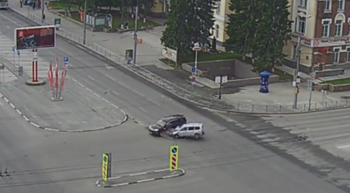 Where are you going? The two women collided in the early morning on an empty intersection, looking like it was