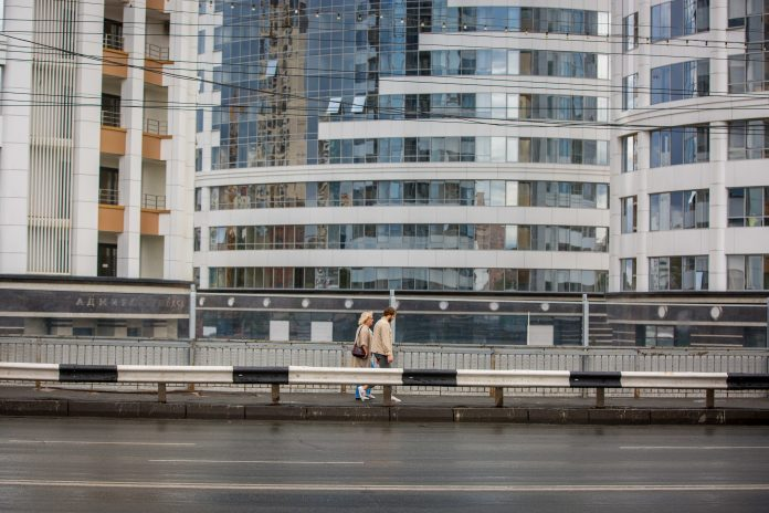 Be saved from the stench in Novosibirsk: 10 weird ways from citizens and editorial