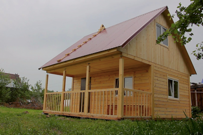 How to build a house in the autumn of 329 000 rubles
