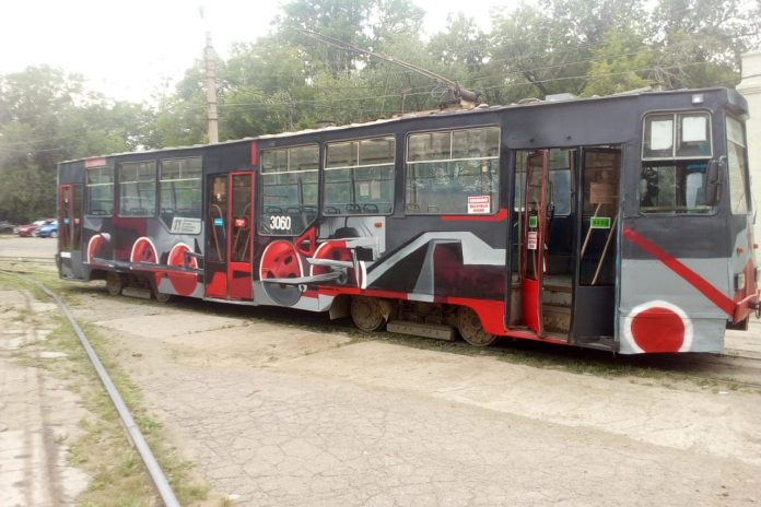 In Novosibirsk entered the line new painted a tram — where can I find him