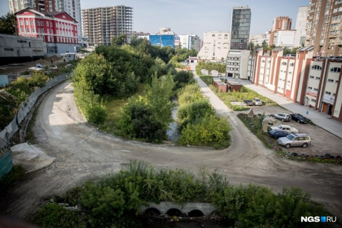 Novosibirsk river was excluded from the building is allowed to expand the building on its banks