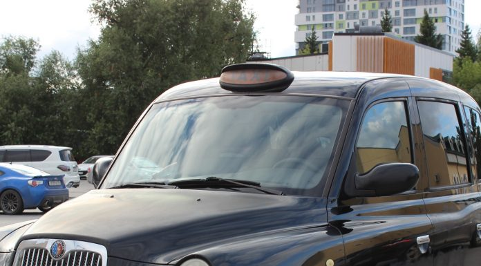 Siberian drove to Novosibirsk English cab. Stare at this strange machine — what's inside?
