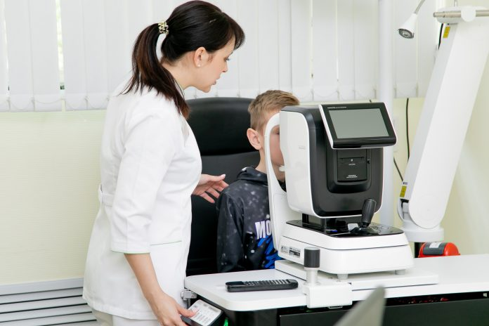 The child sees the parents do not realize: the doctor told me how to recognize myopia