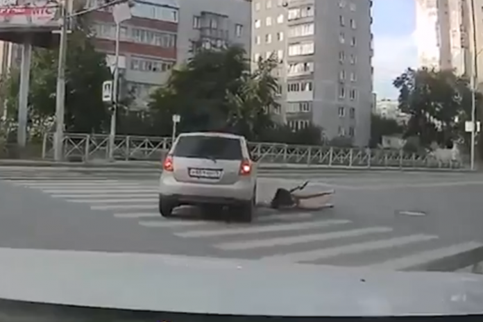 Where are you going? Show how the driver knocks down a young girl on the move — both not looking at each other