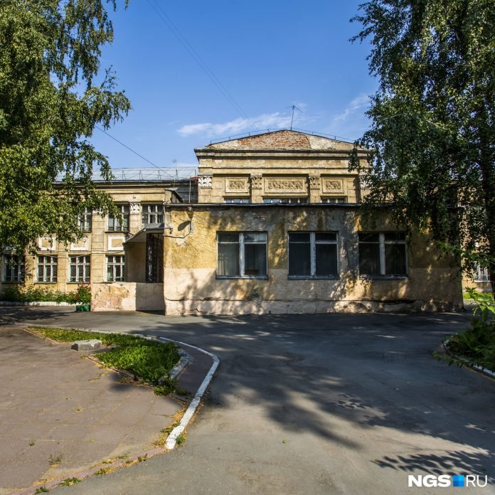 Dangerous building of the school № 54 in Novosibirsk will be demolished
