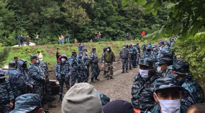 In Bashkortostan, Regardie dispersed the activists protecting the unique Sheehan of Kustow
