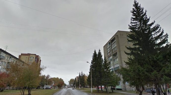 In Berdsk from the sixth floor had the girl she fell for a man who was standing at the bottom