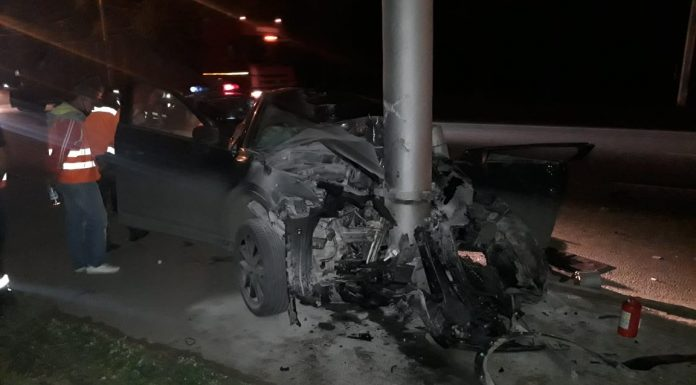 In the Leninsky district of the Mazda crashed into a pole — a girl got caught driving