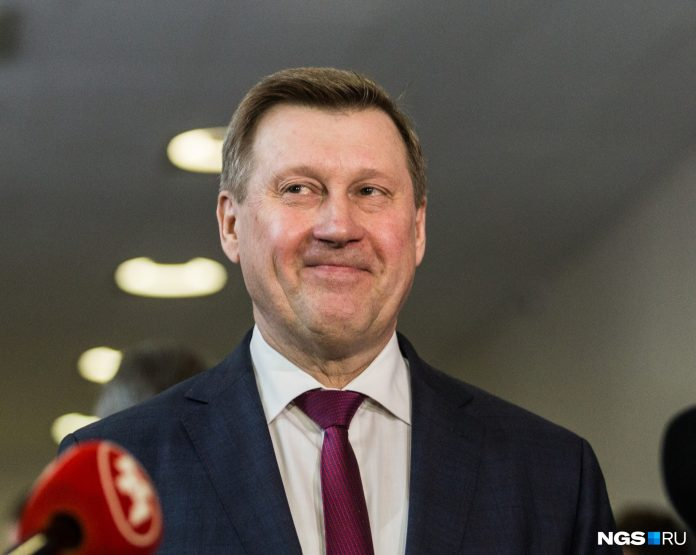 The mayor richer: the mayor's office disclosed the income Anatoly Elbow last year