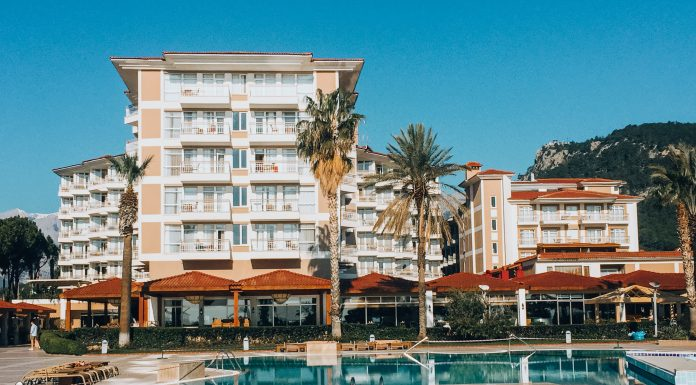 """""""The resort has become a Ghost town"""": the stories of the first travellers to reach Turkey"""