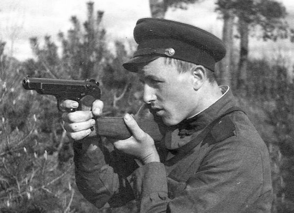 APS: why did the Soviet military did not like the Stechkin pistol
