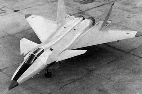 MiG 1.44: how to fly the Soviet super-fighter