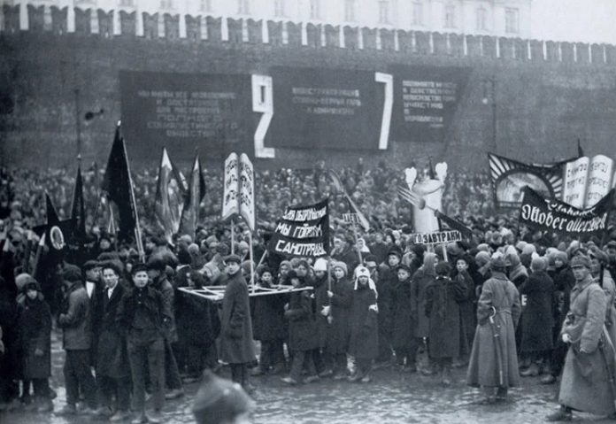As the parade of November 7, 1927 beat Stalin