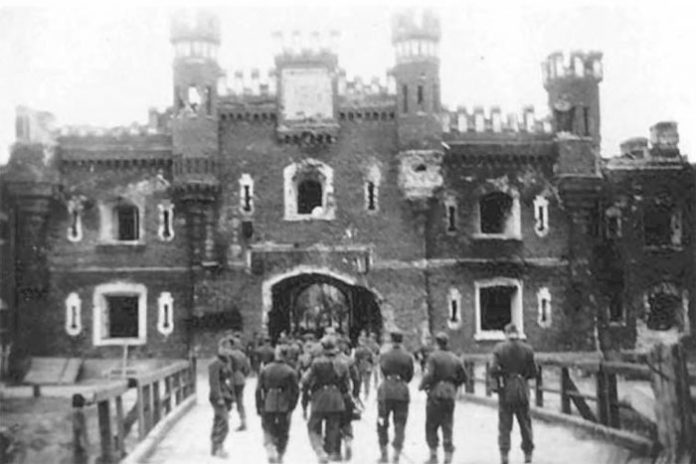 Than the capture of Brest fortress Germans in 1939 differed from the assault 1941